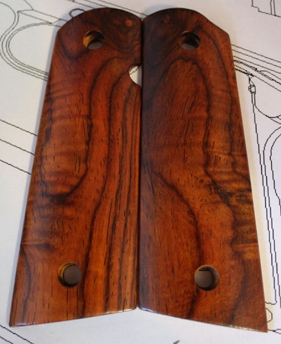 75002 Rare Curly Mexican Cocobolo Gov't <agwell Grips